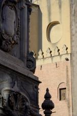 Chiesa di San Domenico Maggiore, Obelisco Di San Domenico Maggiore