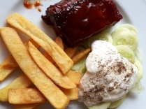 Ribs, chips and mizeria (cucumber salad)