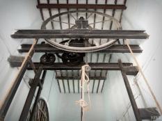 Nizam's Museum: wooden lift