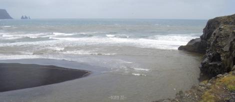 Dyrhólaey: view to Reynisfjara beach and Reynisdrangar rocks