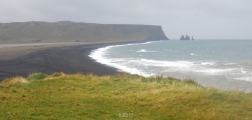 Dyrhólaey: view to Reynisfjara beach and Reynisdrangar rocks