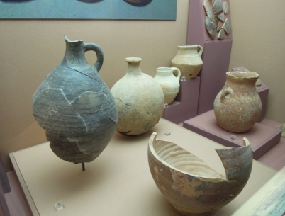 Ceramic bowls, dishes, jars, pilgrim flask - Mleiha 250 BC-75 AD