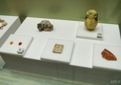 Artefacts (e.g. Roman glass amphoriskos, two agate intaglios) from Dibba, 100 BC-200 AD