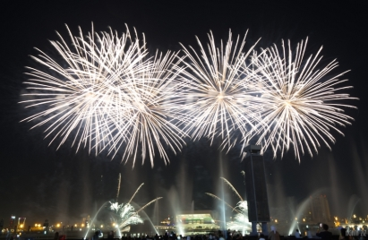 uae-dubai-fireworks-40thousandkm-08843-2