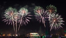 uae-dubai-fireworks-40thousandkm-08847-2